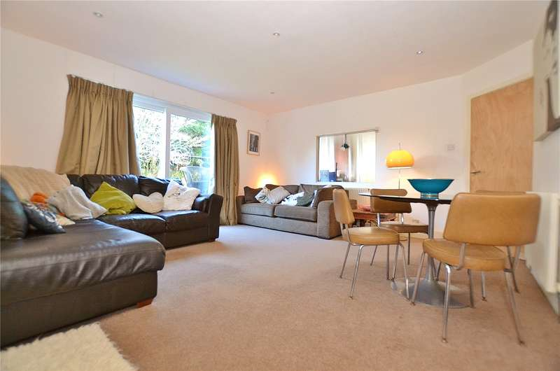 3 Bedrooms Detached Bungalow for sale in Wroxham Gardens, Crews Hill, Enfield, EN2