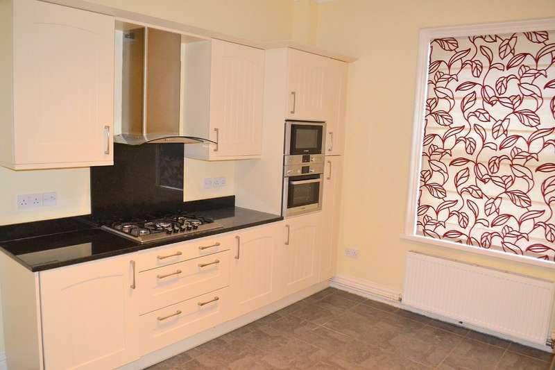 4 Bedrooms Detached House for rent in Church Street, Rugeley, WS15 2AB