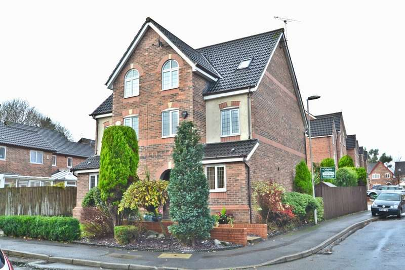 3 Bedrooms Town House for sale in Calderbeck Way, Manchester
