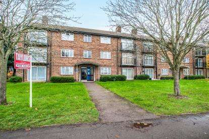 2 Bedrooms Flat for sale in Bennetts End Road, Hemel Hempstead, Herts, .