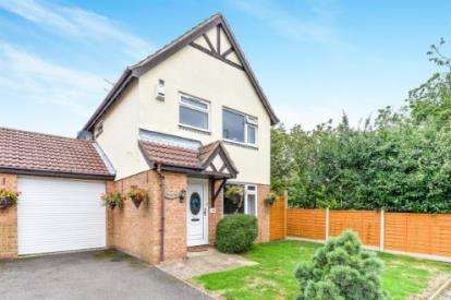 3 Bedrooms Link Detached House for sale in Farmbrook, Luton, Bedfordshire