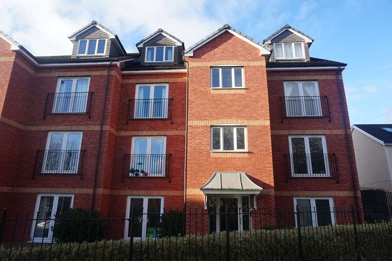 2 Bedrooms Apartment Flat for sale in Hall Street, Blackwood, NP12