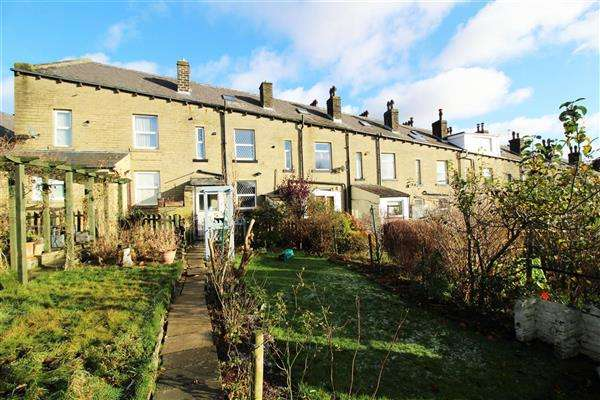 4 Bedrooms Terraced House for sale in Lord Street, Sowerby Bridge