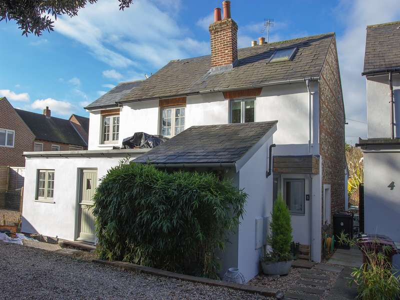 2 Bedrooms House for sale in Knights Cottages, Down Street, West Ashling, PO18