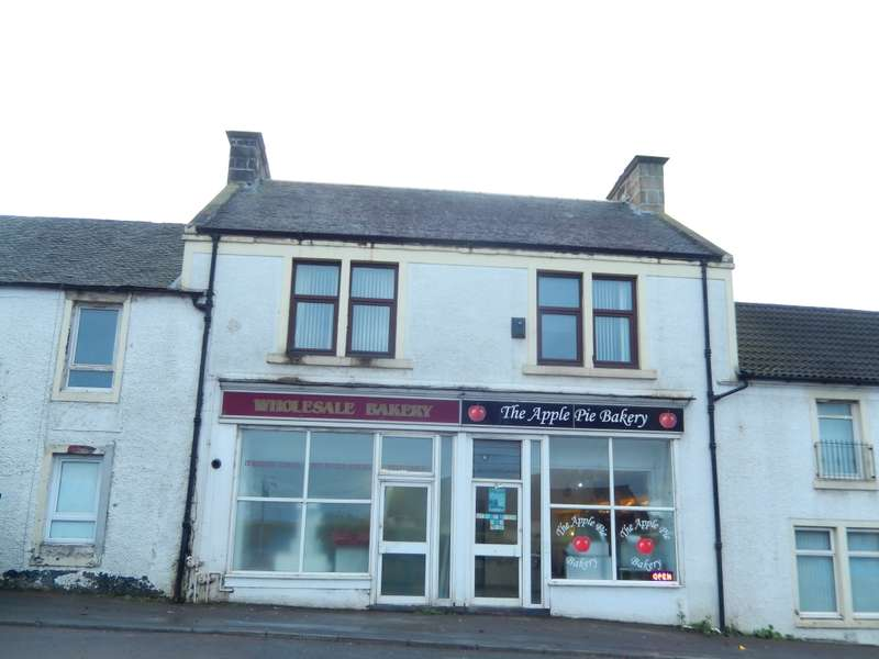 3 Bedrooms Flat for sale in 86a Vere Road, Kirkmuirhill, ML11 9RP