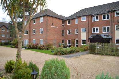 1 Bedroom Retirement Property for sale in Glenmoor Road, West Parley, Ferndown