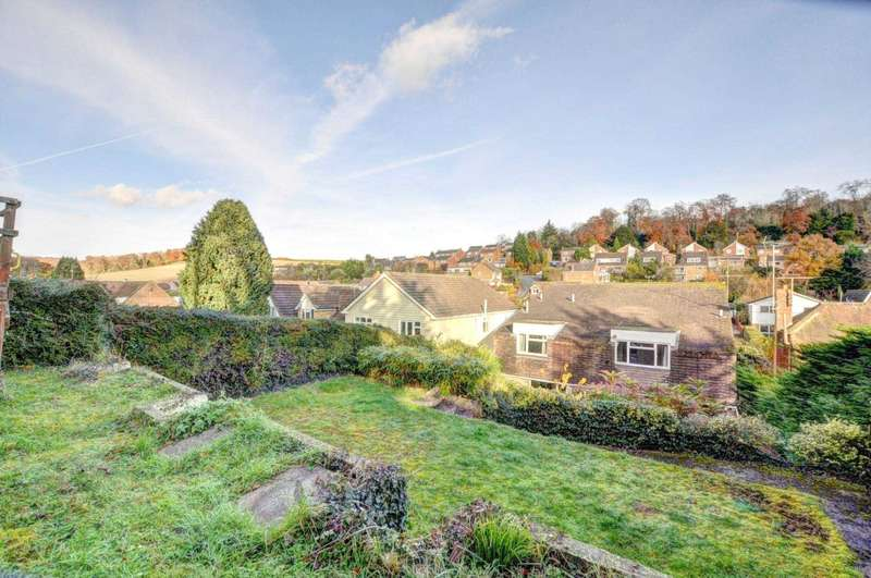 5 Bedrooms Detached House for sale in Marlow Bottom, Marlow