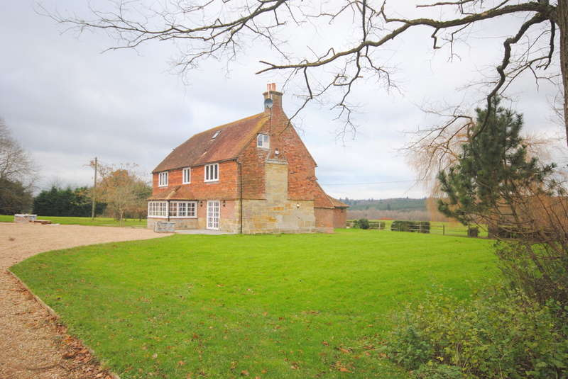 6 Bedrooms Detached House for rent in Hartfield, East Sussex