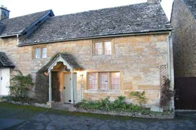 2 Bedrooms House for rent in Jasmine Cottage Lower Slaughter