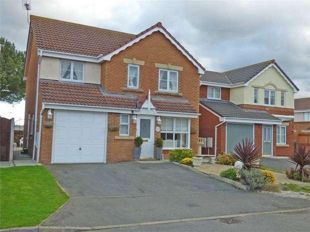 4 Bedrooms Detached House for sale in Llys Bran, Prestatyn, Denbighshire
