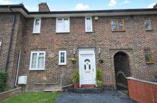 3 Bedrooms Link Detached House for sale in Playgreen Way, Catford, London, United Kingdom