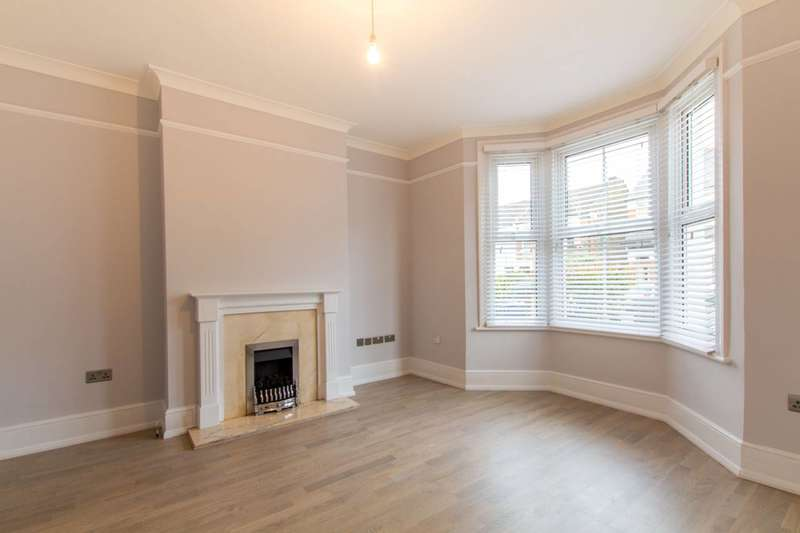 3 Bedrooms Semi Detached House for rent in Parkhurst Road, New Southgate, N11