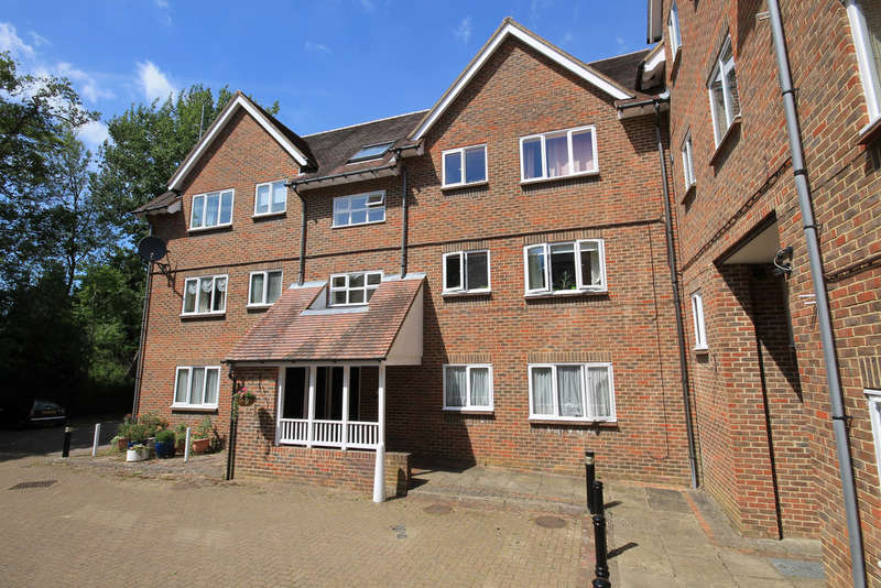 1 Bedroom Flat for sale in Kennard Court, Forest Row