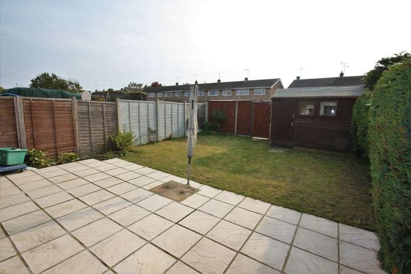 3 Bedrooms Semi Detached House for sale in Springfield, Chelmsford