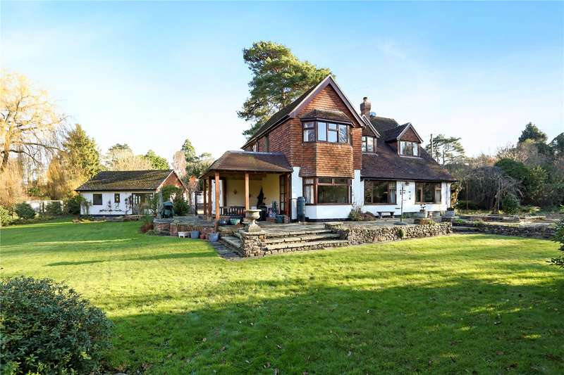 3 Bedrooms Detached House for sale in Westbrook Hill, Elstead, Godalming, Surrey, GU8