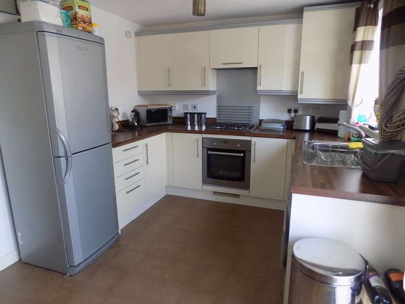 3 Bedrooms Semi Detached House for sale in Abbottsmoor , Baglan Moors, Port Talbot, Neath Port Talbot. SA12 6DA