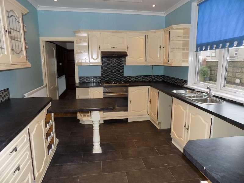 4 Bedrooms End Of Terrace House for sale in York Place, Port Talbot, Neath Port Talbot. SA13 1ER