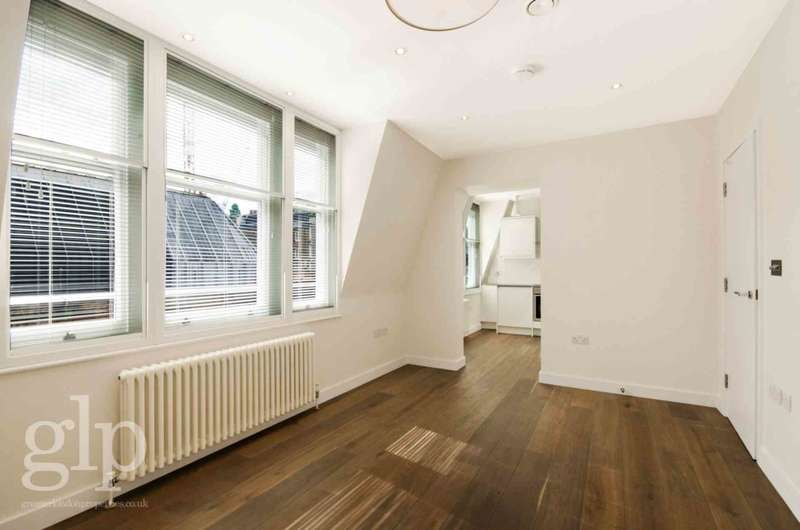 2 Bedrooms Flat for rent in Lisle Street, Soho, WC2H