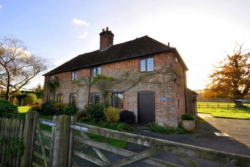 4 Bedrooms Detached House for sale in Kent Lane, Harbridge, Ringwood, BH24 3PY