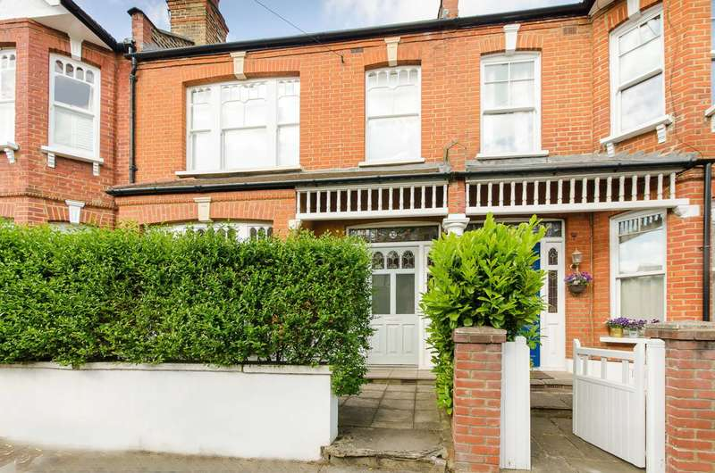 3 Bedrooms House for rent in Clonmore Street, Southfields, SW18