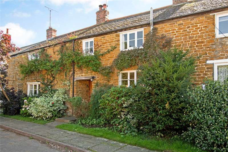 3 Bedrooms Terraced House for sale in Little Green, Bloxham, Banbury, Oxfordshire, OX15