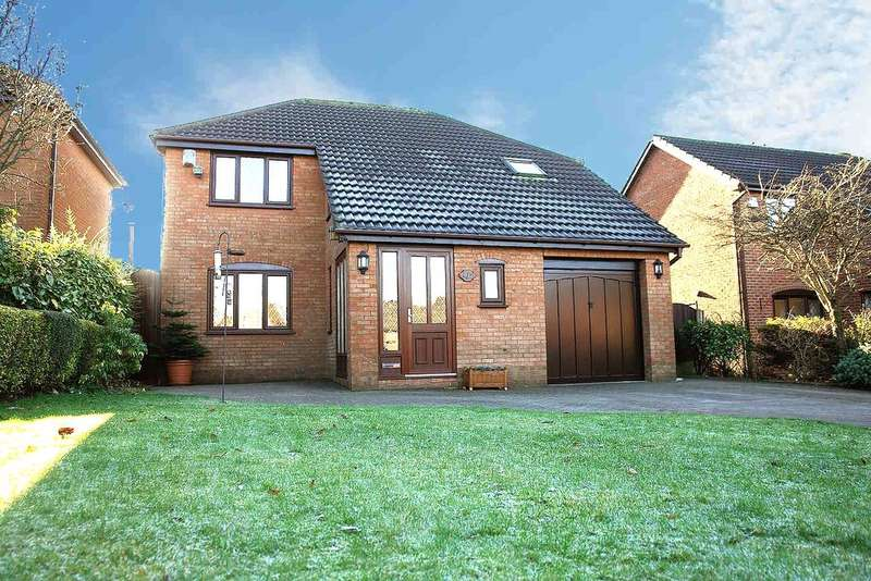 4 Bedrooms Detached House for sale in Spinners Way, Oldham