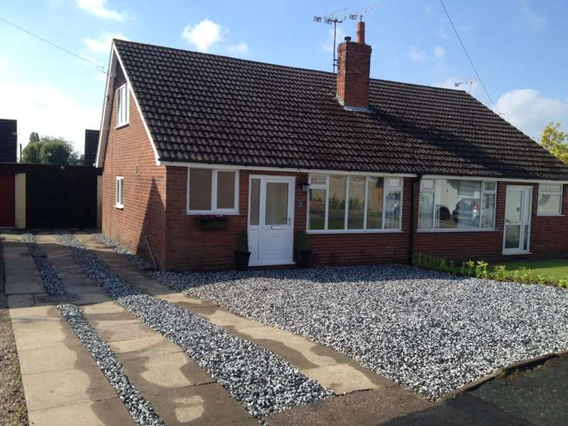 3 Bedrooms Semi Detached House for sale in Beaumont Close, Crewe, Cheshire, CW2