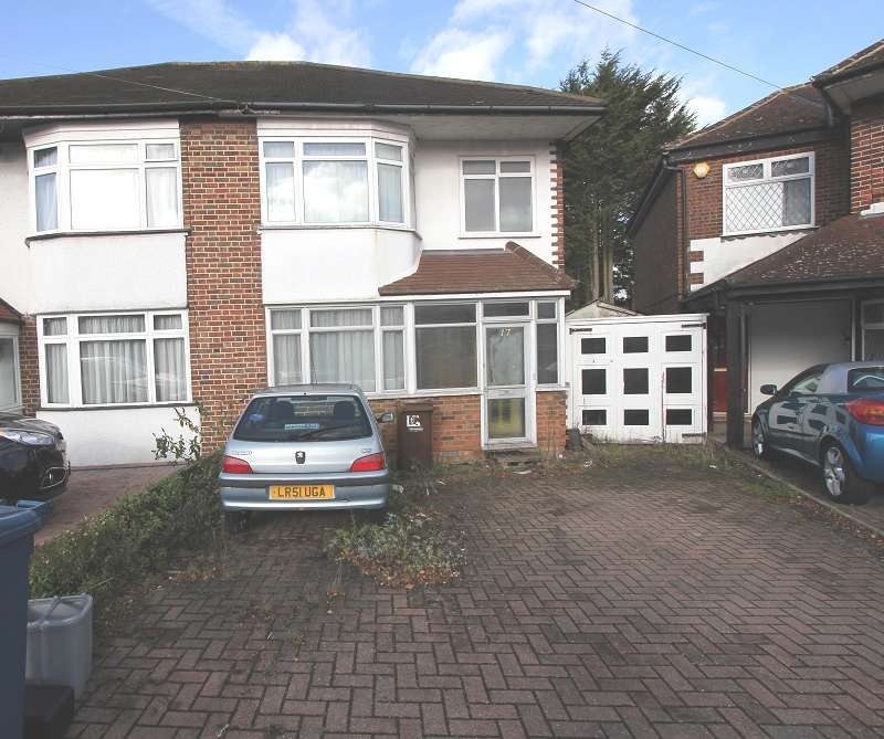3 Bedrooms Semi Detached House for sale in Bideford Close, Edgware, Greater London. HA8 6DB