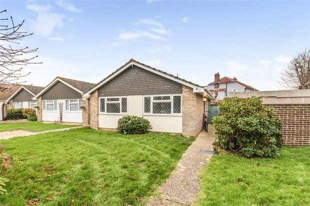 2 Bedrooms Detached Bungalow for sale in St Itha Road, Selsey, Chichester, West Sussex
