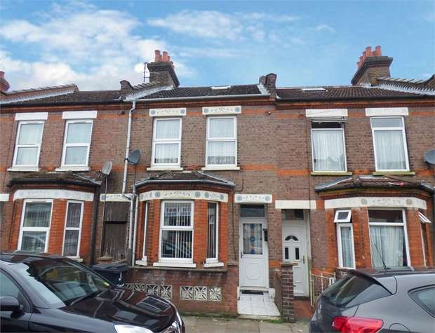 3 Bedrooms Terraced House for sale in Granville Road, Luton, Bedfordshire