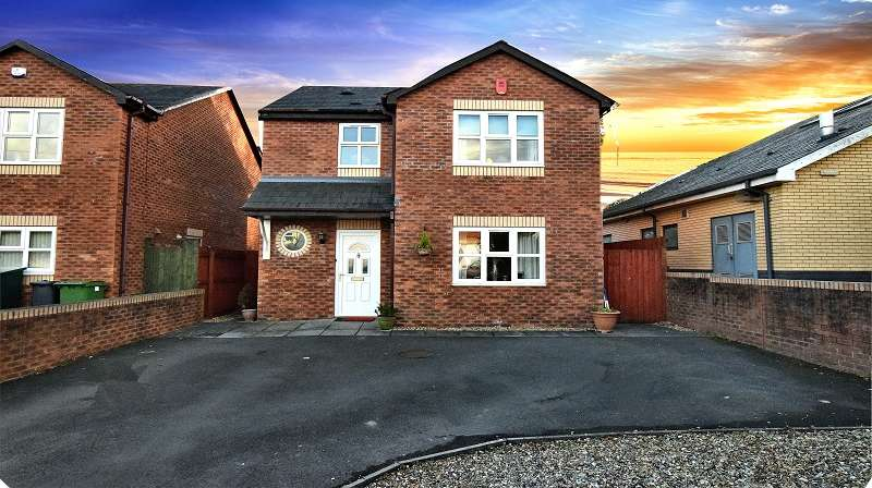 3 Bedrooms Detached House for sale in St. Thomas Close, Rhiwbina, Cardiff. CF14 1TH