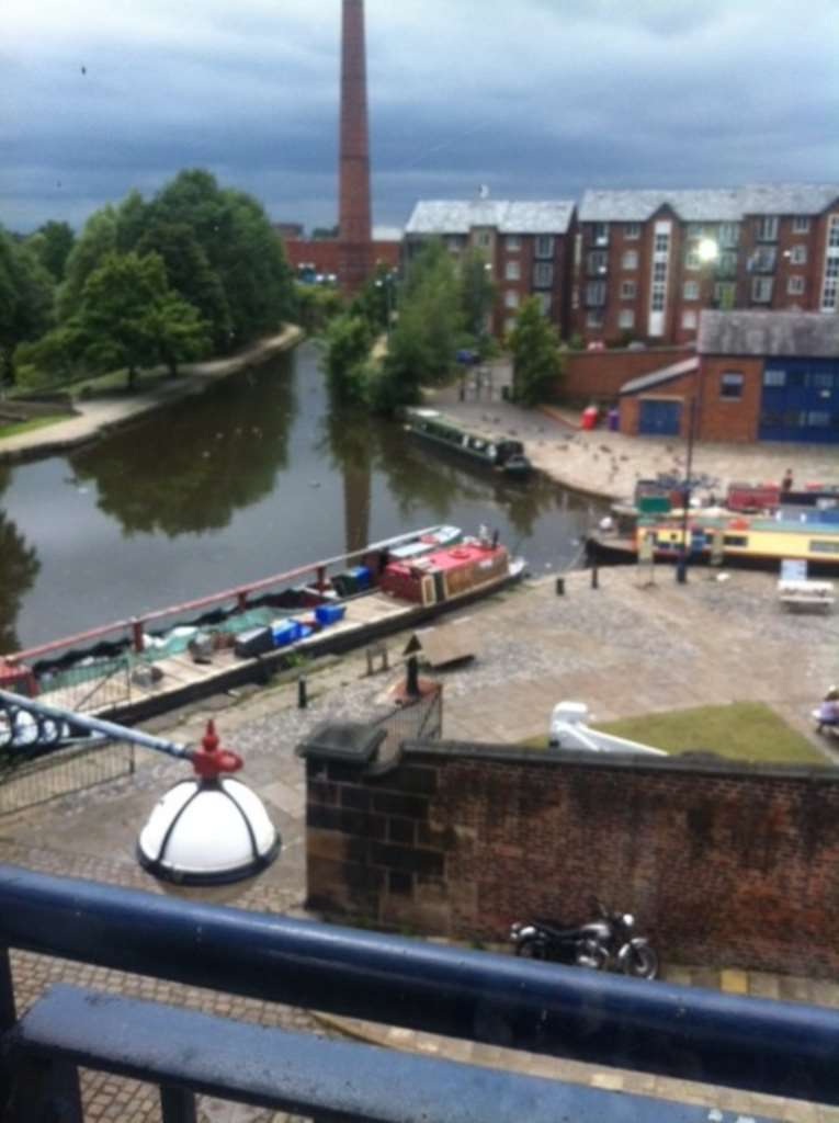 2 Bedrooms Apartment Flat for sale in Portland Basin. Ashton-under-Lyne.