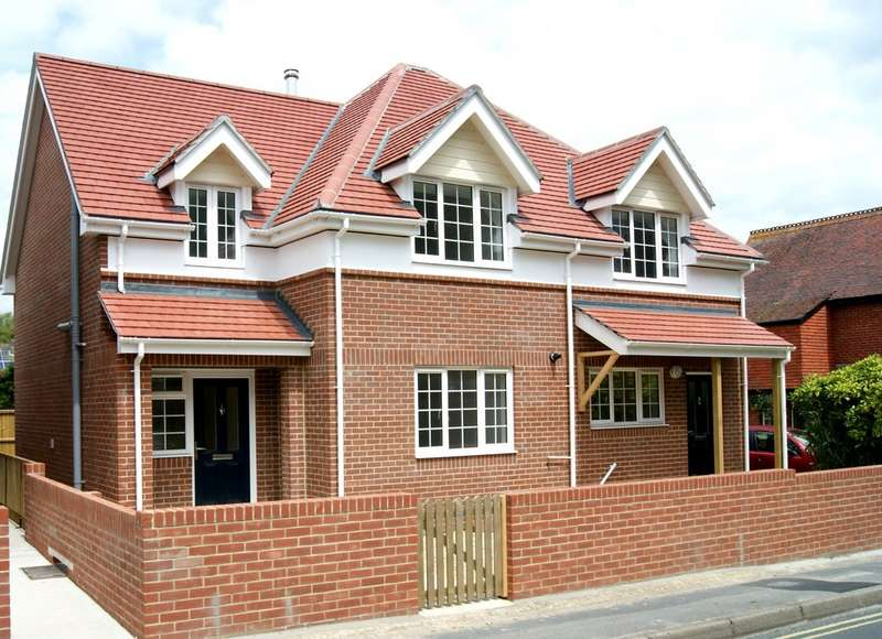 2 Bedrooms Semi Detached House for sale in Totland, Isle of Wight