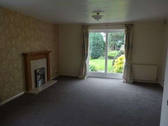 3 Bedrooms Semi Detached House for rent in Berry Holme Court, Chapeltown, Sheffield