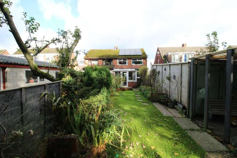 3 Bedrooms Semi Detached House for sale in Stockdale Crescent, Bamber Bridge, Preston, PR5
