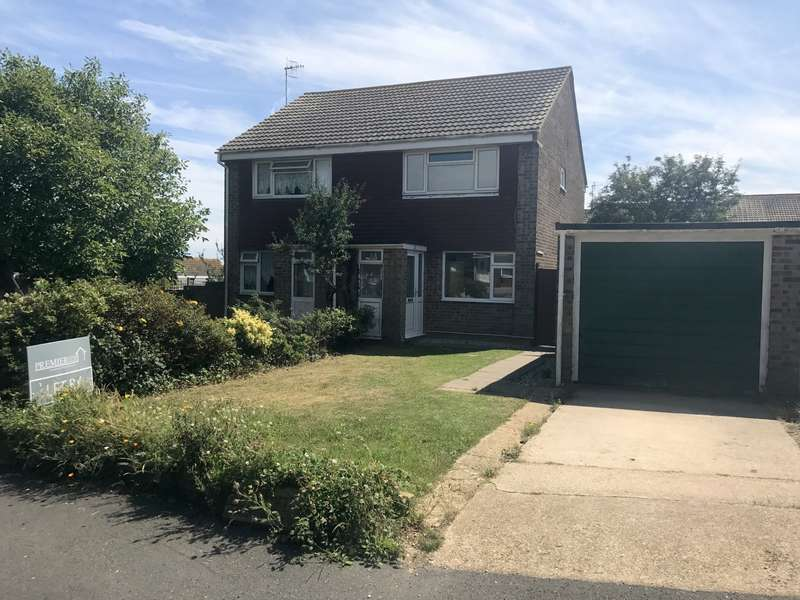 2 Bedrooms House for rent in Balmoral Close, Seaford, BN25