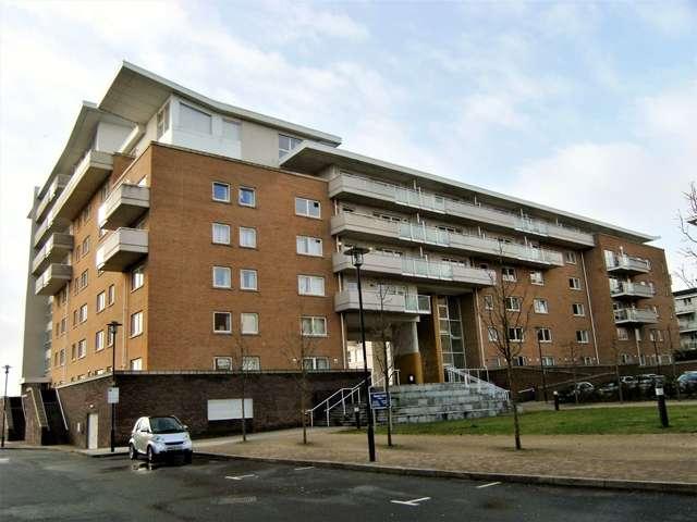 Studio Flat for sale in Nice House, Hansen Court, Cardiff Bay, CF10 5NX