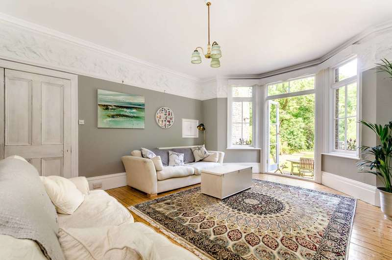 6 Bedrooms House for rent in St Mildreds Road, Lee, SE12