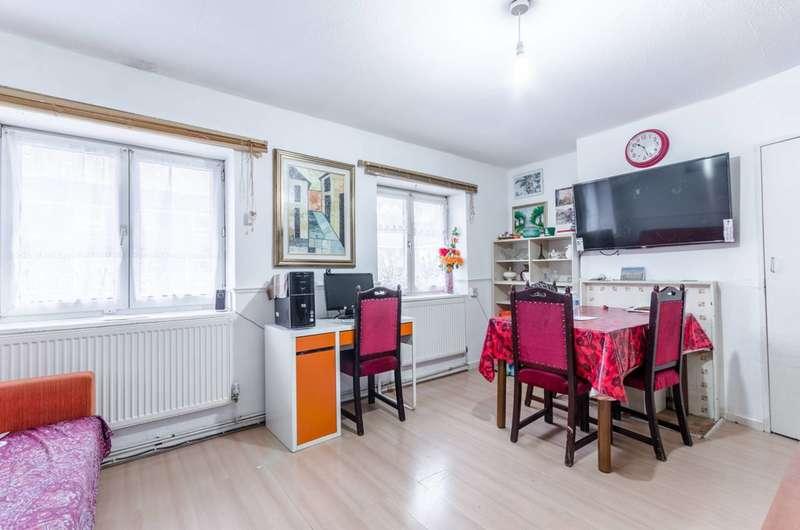 2 Bedrooms Flat for sale in Saracen Street, Poplar, E14