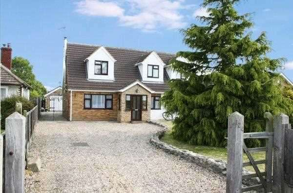 5 Bedrooms Detached House for sale in Point Clear Road, Point Clear