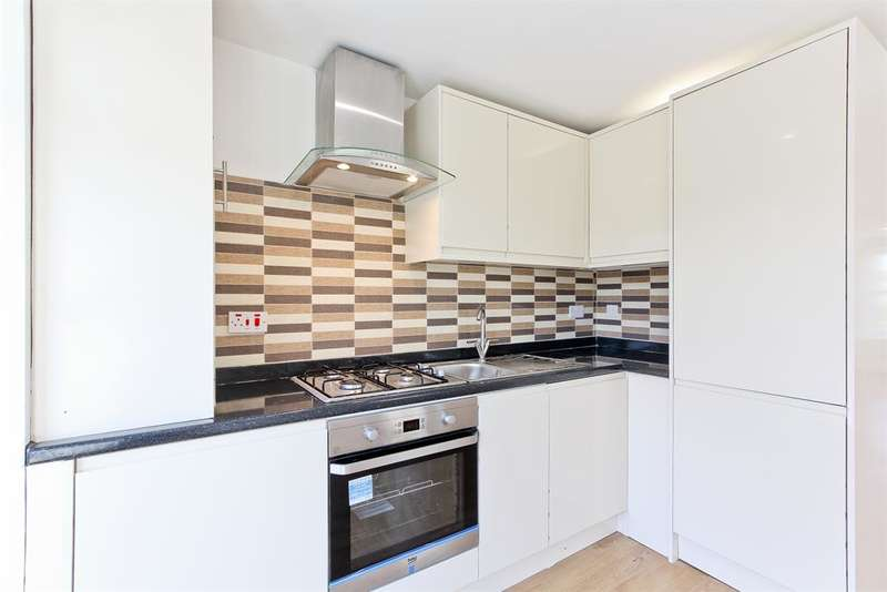 1 Bedroom Ground Maisonette Flat for sale in 81 Comber Grove , Camberwell , London , SE5 0LD