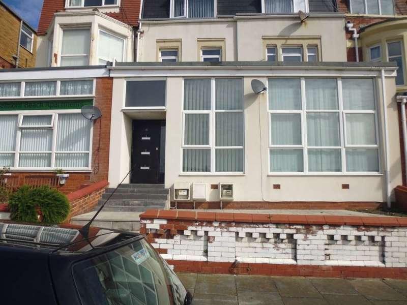 2 Bedrooms Flat for rent in Wilshaw Road, Blackpool