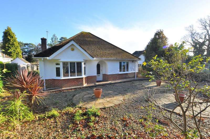 3 Bedrooms Detached Bungalow for sale in New Road, West Parley
