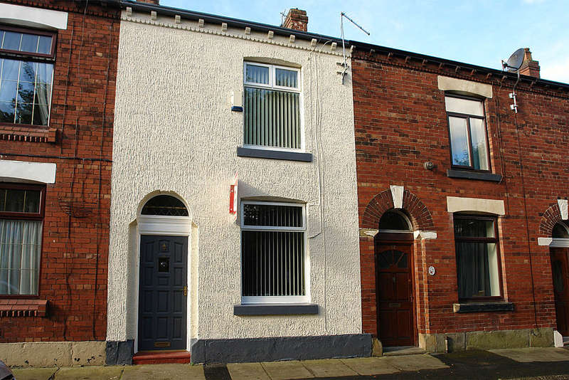 2 Bedrooms Terraced House for sale in Pelham Street, Bardsley, Oldham
