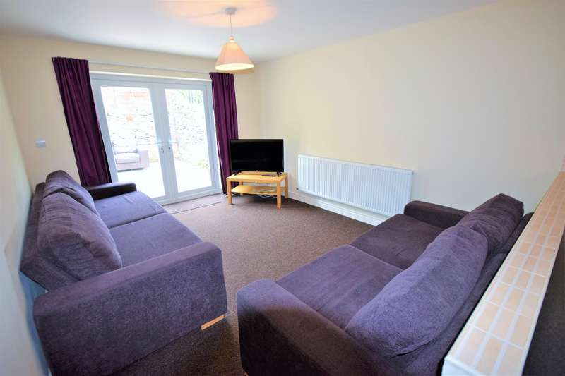 9 Bedrooms House for rent in Russell Street , Roath , Cardiff