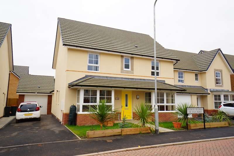 3 Bedrooms Detached House for sale in De Haia Road, Rogerstone, Newport, NP10