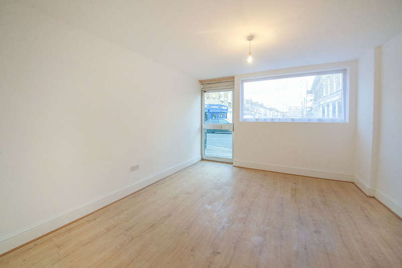 1 Bedroom Flat for sale in Portway, London, E15
