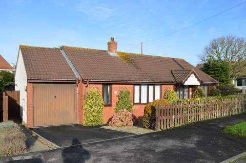 3 Bedrooms Detached Bungalow for sale in Purn Road, Bleadon, Weston-Super-Mare
