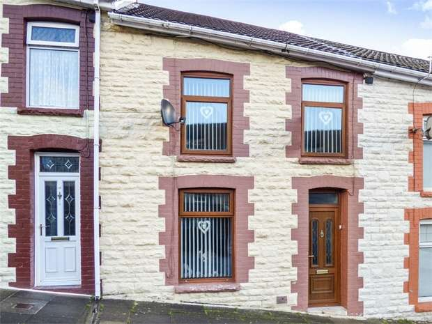 2 Bedrooms Terraced House for sale in Railway Terrace, Blaenclydach, Tonypandy, Mid Glamorgan