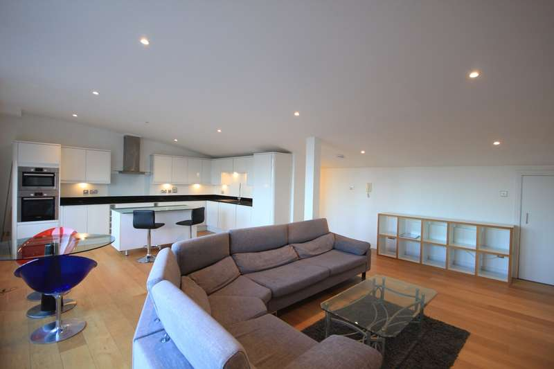 3 Bedrooms Flat for sale in Queens Wharf, Queens Road, Reading, RG1